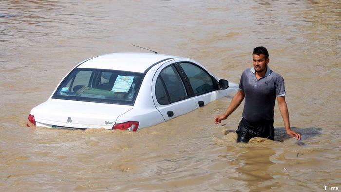 Iran_Record_Flood_Pictorial-7 انتقادها از عدم واکنش به موقع